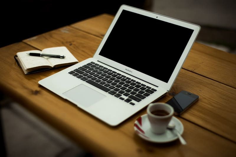 Blogging for fun not profit - home-office macbook & coffee