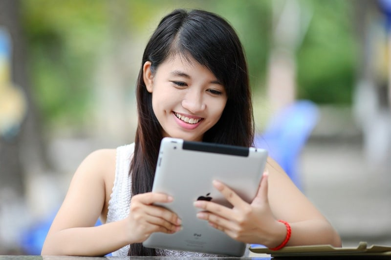 Blogging for fun - happy ipad user - featured-img